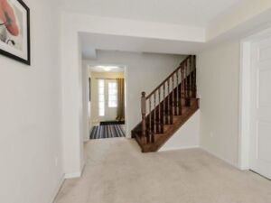 Bright And Sun Filled 3 Bedroom Home In Brampton X5158234 MR07