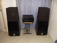 2 speakers ohm model f -----100 lbs chaque
