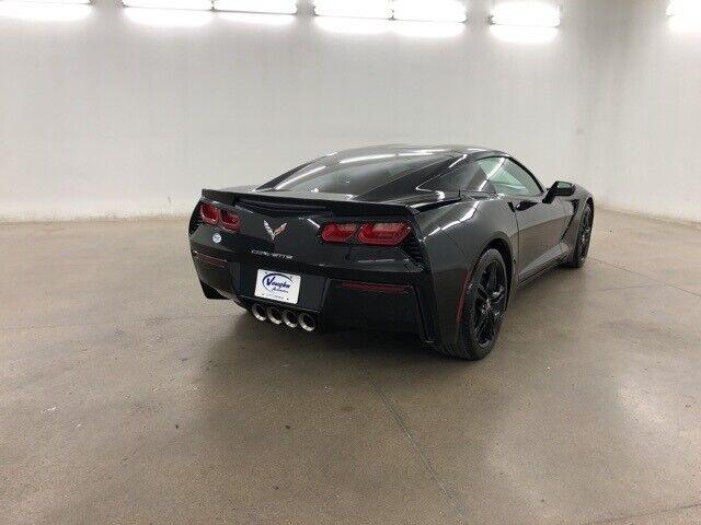 2016 Black Chevrolet Corvette Stingray    C7 Corvette Photo 10