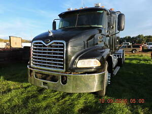2005 MACK VISION  T/A