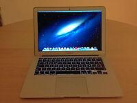 """2012 MacBook Air 13"""" - Core i5 1.8Ghz - 4GB Ram - 128GB SSD"""
