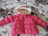 Old Navy 2T Girls pink puffy Winter Coat - perfect condition