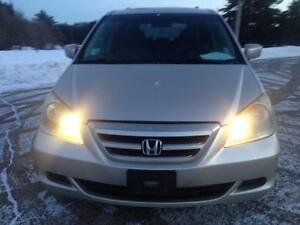 2006 Honda Odyssey EX-L 8-PASS/PW,PL,A/C,LEATHER,SUNROOF