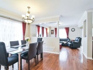 Bright & Spacious 4 Bedroom End Unit In Brampton X51700013 AP03