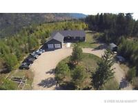 Beautiful Custom Home For Sale a few minutes from Castlegar
