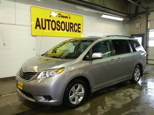 2013 Toyota Sienna LE FWD 8-Passenger V6 Peterborough Peterborough Area image 3