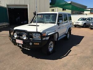 2011 Toyota Landcruiser VDJ76R 09 Upgrade GXL (4x4) White 5 Speed Manual Wagon Holtze Litchfield Area Preview