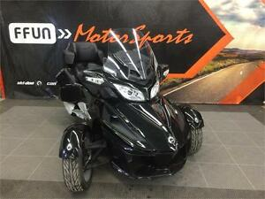 2016 Can-Am® Spyder® RT 6-Speed Semi-Automatic (SE6)