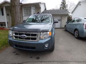 Ford Escape V6 AWD 4 x 4