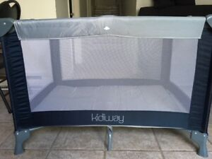 Kidiway Playard - Baby Travel Bed in good condition
