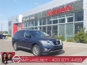 2014 Nissan Pathfinder SL AWD **Leather/Tow Package**