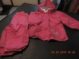 Girl's size 2T Nylon Wind/Rain Suit