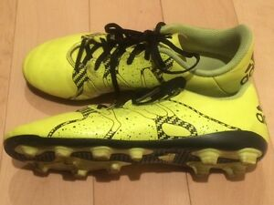 Kids Adidas Soccer Boots X, size 4 US, yellow neon, with cleats