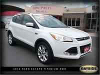 2014 Ford Escape Titanium LEATHER, NAV AND HEATED SEATS!
