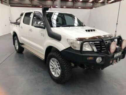 2013 Toyota Hilux KUN26R MY12 SR5 (4x4) White 4 Speed Automatic Dual Cab Pick-up Fyshwick South Canberra Preview