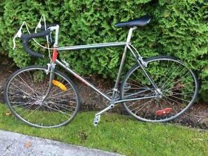 Classic Miyata ten speed racing bike!