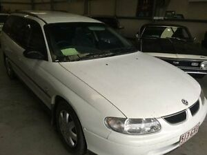 2000 Holden Commodore VT II Executive White Automatic Wagon Clontarf Redcliffe Area Preview