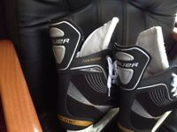 Ice skates Bauer 120 light speed pro Supreme uk size 8.5, tuuk stainless glider virtually unused
