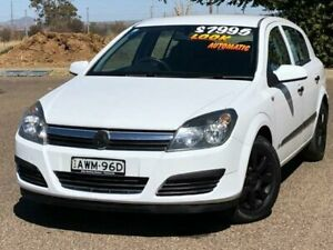 2005 Holden Astra AH MY05 CD White 4 Speed Automatic Hatchback Hillvue Tamworth City Preview