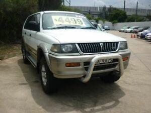 1998 Mitsubishi Challenger PA (4x4) White 5 Speed Manual 4x4 Wagon