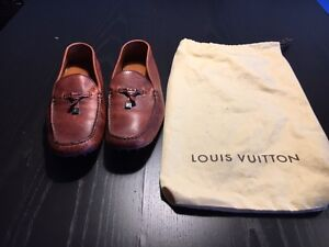 Chaussure style Mocassin Louis Vuitton