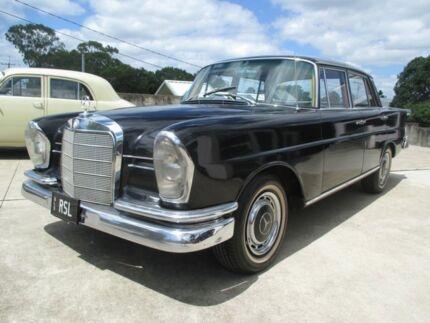 1965 Mercedes-Benz 220S 220S 220S Black 4 Speed Manual Sedan