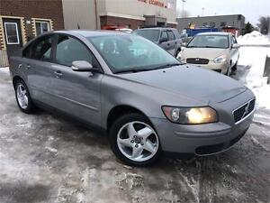 VOLVO S40 2006 AUTO / AC / MAGS / CUIR !!