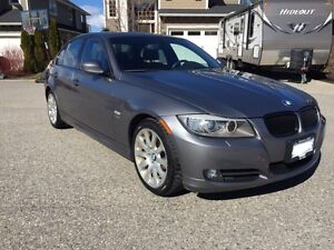 2009 BMW 328Xi Premium, Executive & Sport Sedan