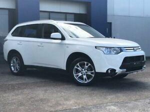 2014 Mitsubishi Outlander ZJ MY14 ES (4x2) White Continuous Variable Wagon Eagle Farm Brisbane North East Preview