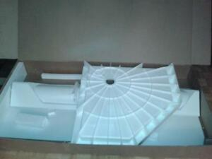 "SHOWER WALLS WITH SHELVES & RACK & 38"" NEO ANGLE BASE ONLY New West Island Greater Montréal image 1"