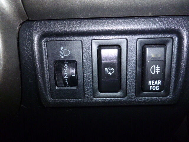 99-05 LEXUS IS200 IS300 SET OF SWITCHES FOG HEADLIGHT WASHER AND LEVELER