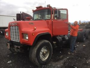COMPLETE PART OUT - Mack RD6885