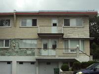 St-Leonard Grand 5 1/2 Duplex $875.00  **pour Sept**