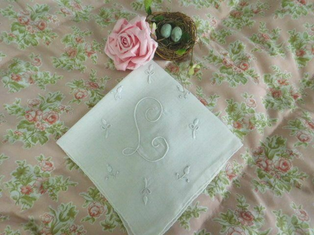 BEAUTIFUL VINTAGE BRIDAL * Embroidered Monogram L * WEDDING HANKY