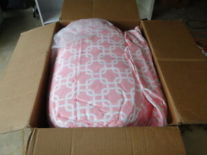Bean Bag Chair Lounger (Soft Pink) - Majestic Home Goods (New) London Ontario image 4