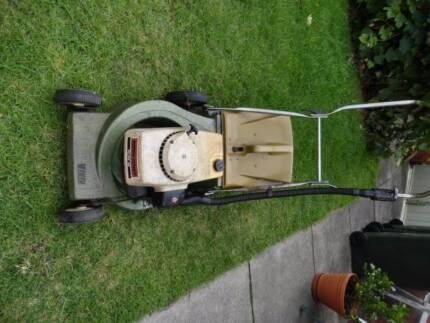 Victa 2 stroke lawn mower