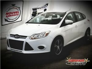 Ford Focus SE A/C MAGS Hatchback 2013