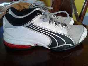 Mens 5.5 Puma sneakers