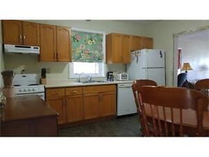 Great little 2+1 Bedroom Semi Detached Bungalow in West Galt Cambridge Kitchener Area image 2