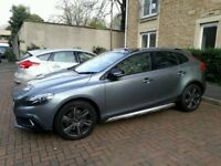 2015 model VOLVO V40 2.0 DIESEL AUTOMATIC CROSS COUNTRY LUX ++ ROOF EVERY POSSIBLE EXTRA 19K MILES
