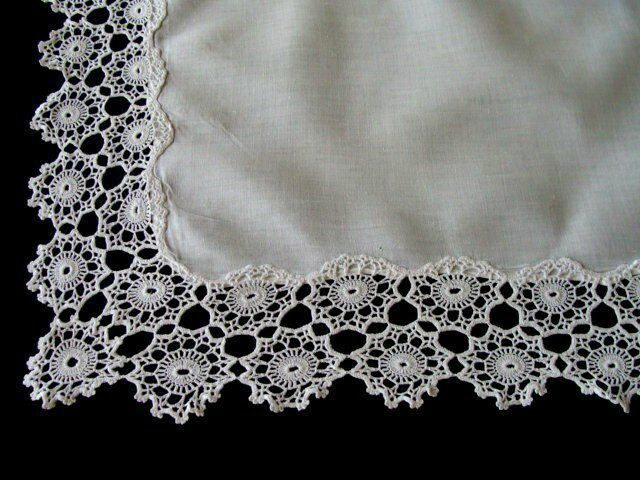 "GORGEOUS Antique Linen Hand Made Lace Tea Tablecloth 30"" x 22"" Runner Tray Cloth"