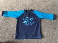 Boys Surf Top Rash Vest Age 4-5 with zip up the back. Sun top protector