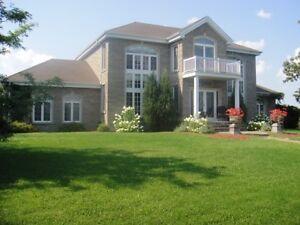 Superbe maison à Saint-Basile-le-Grand avec possibilité $$$