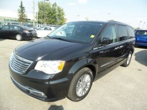 2016 Chrysler Town & Country TOURING ( Guy ) @ 4034633370