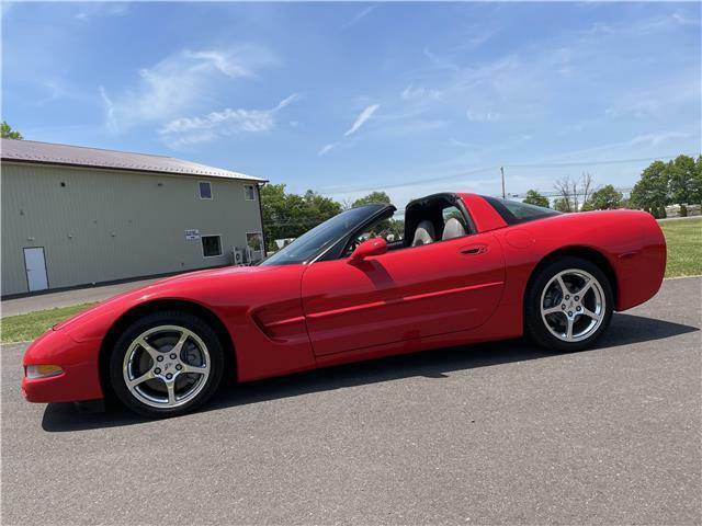 2000 Red Chevrolet Corvette Coupe  | C5 Corvette Photo 3