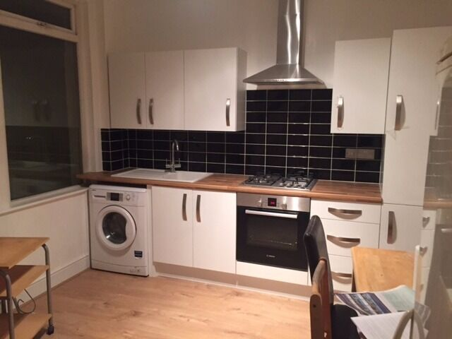 Startling 2 Bedroom House AVAILABLE To Rent In Plaistow