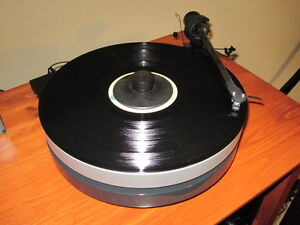 Project RPM 5 turntable and speed box