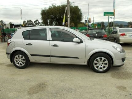 2004 Holden Astra AH CD Silver 4 Speed Automatic Hatchback Bayswater North Maroondah Area Preview
