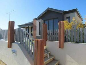 Live in luxury - Modern home with dishwasher, A/C and OCEAN VIEWS Alkimos Wanneroo Area Preview