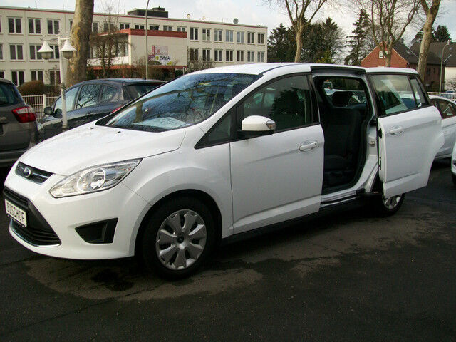 ford c max grand 2 0 tdci titanium powershift white fully load diesel automatic 7 seater pco. Black Bedroom Furniture Sets. Home Design Ideas